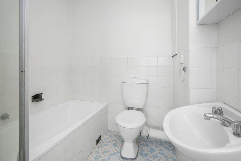 thumbnail_Web size bathroom