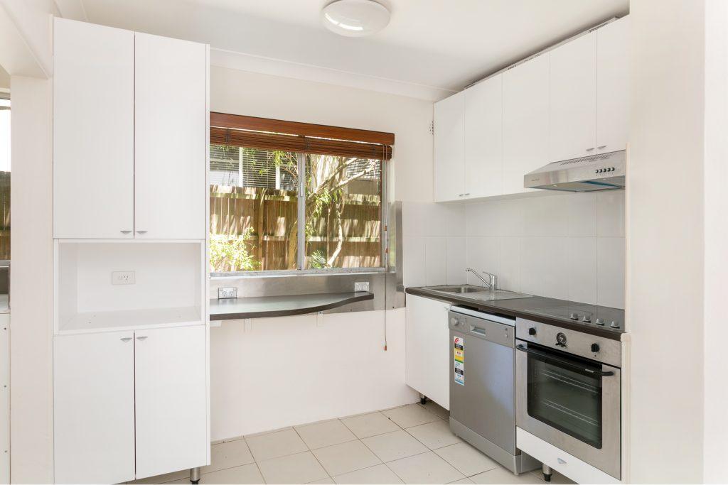 1-159 Wyndora Ave 02 hi kitchen