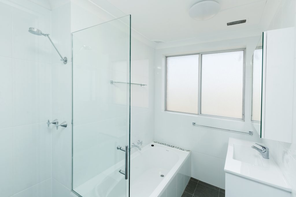 5-125 Queenscliff Rd 02hi bath