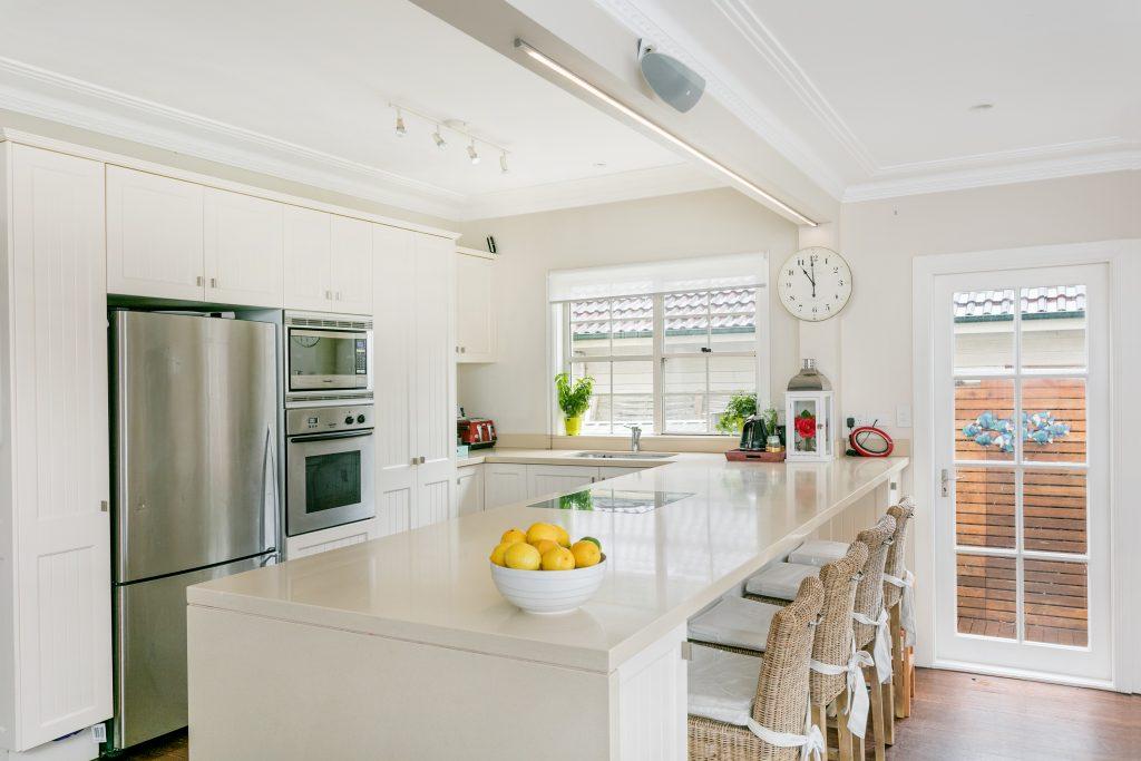 19 Travers Rd 02 hi kitchen